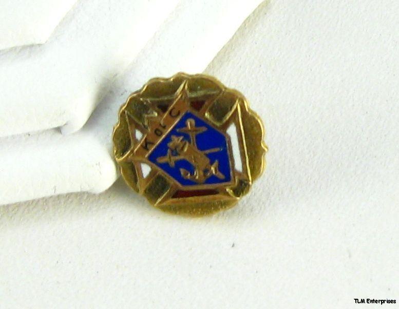 Knights Columbus Fraternal Vintage Cross Lapel Pin
