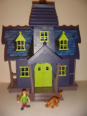 Hanna Barbera Scooby Doo Mystery Mansion House Playset & Figures