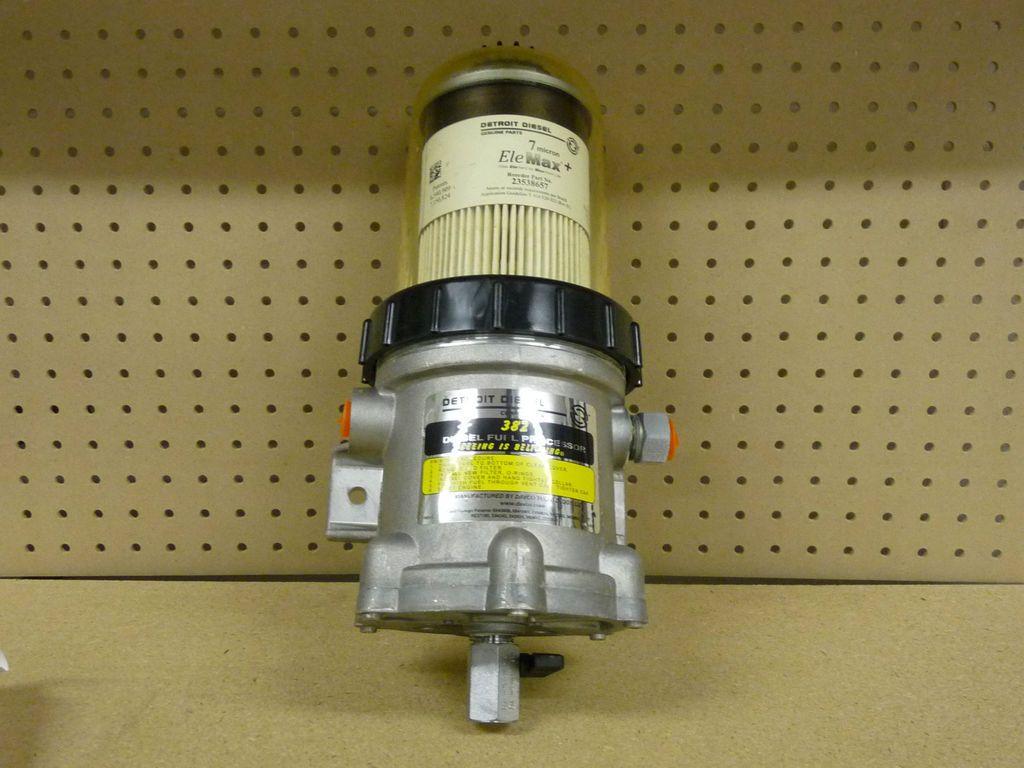 382 Fuel filter water separator SEMI TRUCK parts freightliner volvo