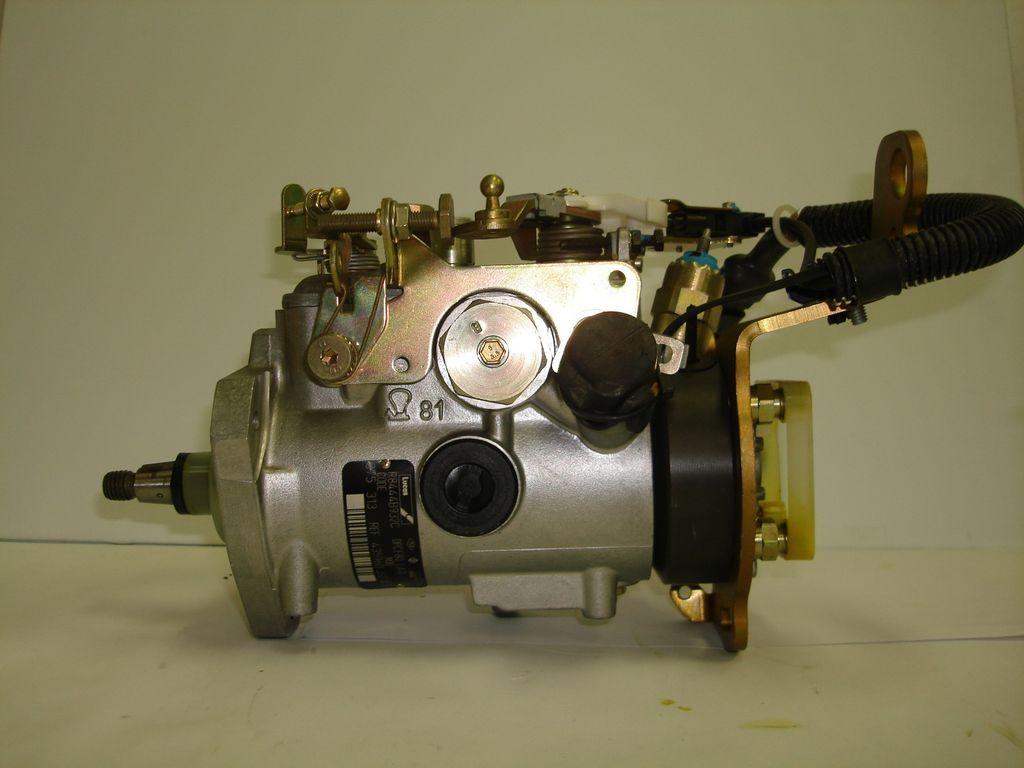 NEW Lucas Diesel Fuel Injection Pump, Renault Clio 1.9, 01/1991 09
