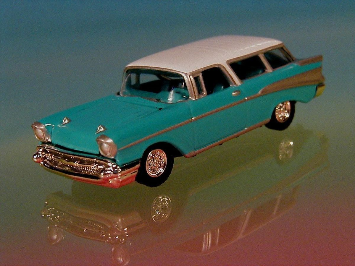 Hot Wheels 57 Chevy Nomad Wagon Limited Edition 1 64 Scale 1957