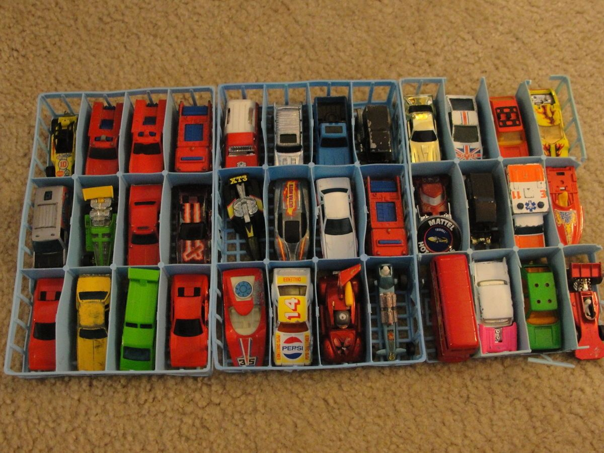 HOT WHEELS MATCHBOX LOT OF 41 CARS VINTAGE WITH CARRY CASE INCLUDED 5
