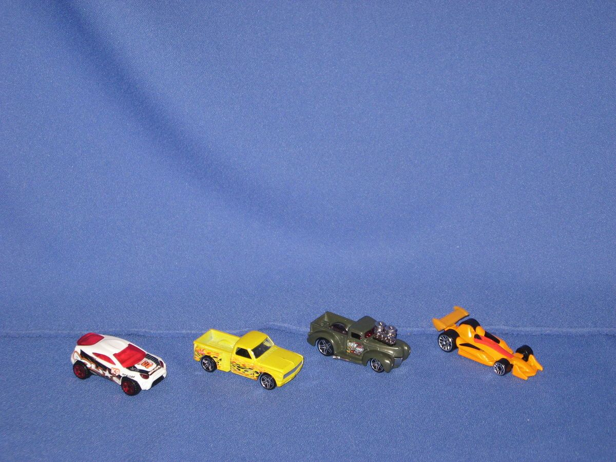 GENUINE HOT WHEELS TOYOTA RSC 69 CHEVY 41 FORD TRUCKS RACE CAR LOT OF